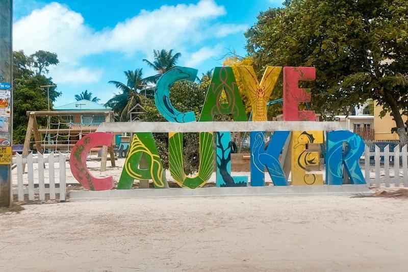 Snorkeling in Belize Barrier Reef - Caye Caulker