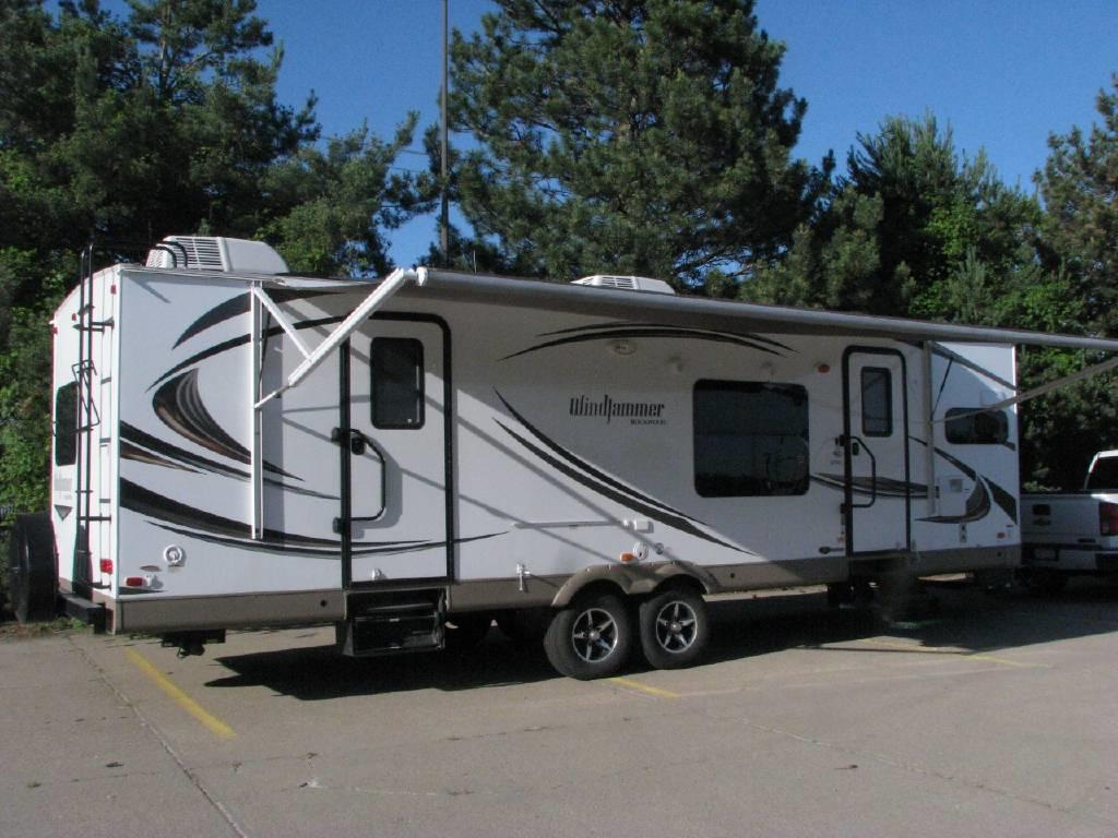 34' Ultimate Luxury Family Trailer with 2 Slide Outs ...